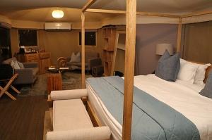Travelnews.lv nakšņo luksus klases teltī, ko piedāvā «Kingfisher Lodge». Atbalsta: VisitSharjah.com un Novatours.lv 10