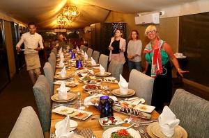 Travelnews.lv izbauda 5 zvaigžņu viesnīcas «Kingfisher Lodge» vakariņas un brokastis. Atbalsta: VisitSharjah.com un Novatours.lv 2