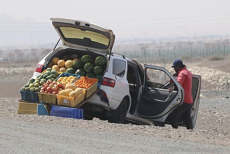 Travelnews.lv iepazīst Šārdžas emirāta lieliskos lielceļus ar 120 km/h. Atbalsta: VisitSharjah.com un Novatours.lv