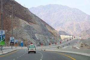 Travelnews.lv iepazīst Šārdžas emirāta lieliskos lielceļus ar 120 km/h. Atbalsta: VisitSharjah.com un Novatours.lv 15