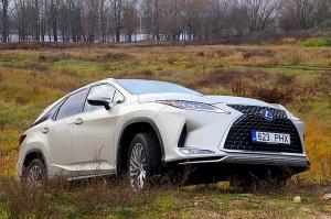 Travelnews.lv Latvijas svētku dzimšanas dienu sagaida ar jauno «Lexus RX450HL» 2
