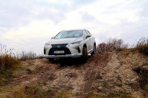 Travelnews.lv Latvijas svētku dzimšanas dienu sagaida ar jauno «Lexus RX450HL» 4