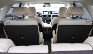 Travelnews.lv Latvijas svētku dzimšanas dienu sagaida ar jauno «Lexus RX450HL» 23