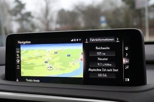 Travelnews.lv Latvijas svētku dzimšanas dienu sagaida ar jauno «Lexus RX450HL» 29