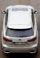 Travelnews.lv Latvijas svētku dzimšanas dienu sagaida ar jauno «Lexus RX450HL» 31