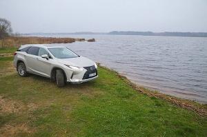 Travelnews.lv Latvijas svētku dzimšanas dienu sagaida ar jauno «Lexus RX450HL» 35