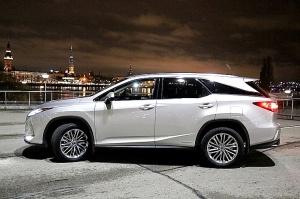 Travelnews.lv Latvijas svētku dzimšanas dienu sagaida ar jauno «Lexus RX450HL» 36