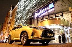 Travelnews.lv Latvijas svētku dzimšanas dienu sagaida ar jauno «Lexus RX450HL» 38