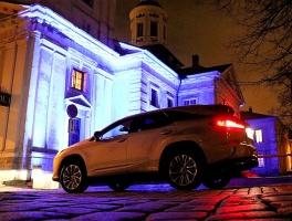 Travelnews.lv Latvijas svētku dzimšanas dienu sagaida ar jauno «Lexus RX450HL» 39
