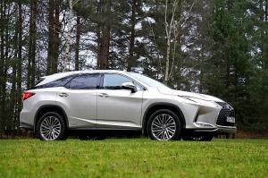 Travelnews.lv Latvijas svētku dzimšanas dienu sagaida ar jauno «Lexus RX450HL» 46