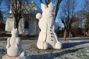 Cauri deviņām Latvijas kaprīzajām ziemām Dobeles dižie sniegavīri ir veiksmīgi atnākuši līdz savam desmitajam saietam 10
