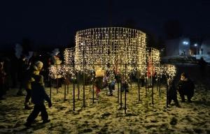Cauri deviņām Latvijas kaprīzajām ziemām Dobeles dižie sniegavīri ir veiksmīgi atnākuši līdz savam desmitajam saietam 11