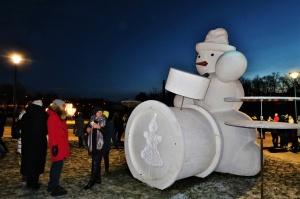 Cauri deviņām Latvijas kaprīzajām ziemām Dobeles dižie sniegavīri ir veiksmīgi atnākuši līdz savam desmitajam saietam 14