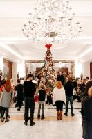 Viesnīca Grand Hotel Kempinski turpinot tradīciju pulcē rīdziniekus uz svinīgo Ziemassvētku egles iedegšanas ceremoniju 15