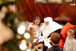 Viesnīca Grand Hotel Kempinski turpinot tradīciju pulcē rīdziniekus uz svinīgo Ziemassvētku egles iedegšanas ceremoniju 20