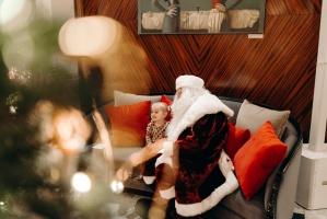 Viesnīca Grand Hotel Kempinski turpinot tradīciju pulcē rīdziniekus uz svinīgo Ziemassvētku egles iedegšanas ceremoniju 30