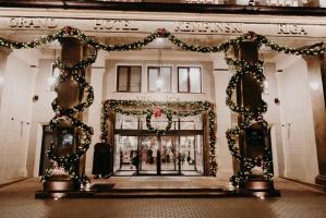 Viesnīca Grand Hotel Kempinski turpinot tradīciju pulcē rīdziniekus uz svinīgo Ziemassvētku egles iedegšanas ceremoniju 38