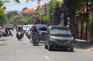 Travelnews.lv piefiksē ielas fotomirkļus Bali salā. Atbalsta:  «Turkish Airlines» un «365 Brīvdienas» 2