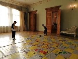 Ģimeņu dienā Jaunmoku pilī spēlē galda spēles un bauda dažādas aktivitātes 2