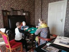 Ģimeņu dienā Jaunmoku pilī spēlē galda spēles un bauda dažādas aktivitātes 5