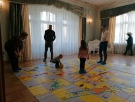 Ģimeņu dienā Jaunmoku pilī spēlē galda spēles un bauda dažādas aktivitātes 9