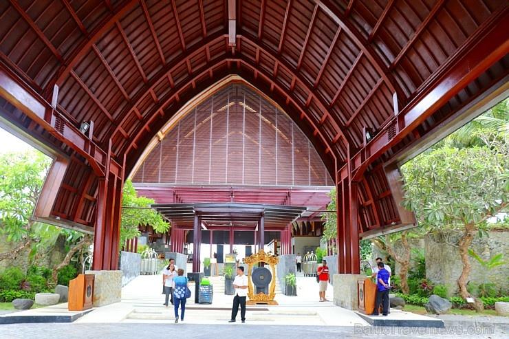 Travelnews.lv iepazīst un pusdieno Bali viesnīcā «