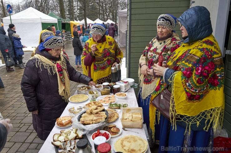 Rēzeknē svin tradicionālos slāvu tautību svētkus «Masļeņica» 279066