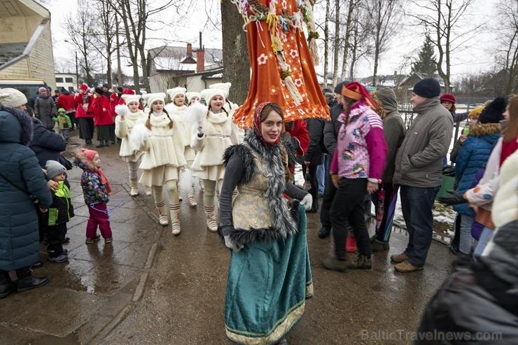 Rēzeknē svin tradicionālos slāvu tautību svētkus «Masļeņica» 279070