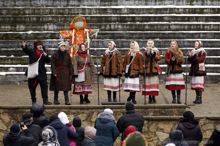 Rēzeknē svin tradicionālos slāvu tautību svētkus «Masļeņica» 279090