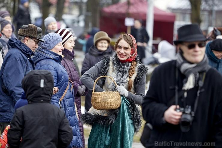 Rēzeknē svin tradicionālos slāvu tautību svētkus «Masļeņica» 279098