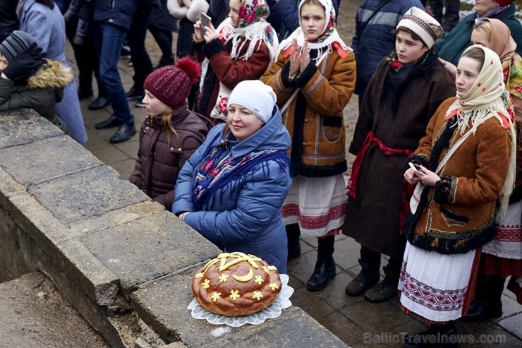 Rēzeknē svin tradicionālos slāvu tautību svētkus «Masļeņica» 279102