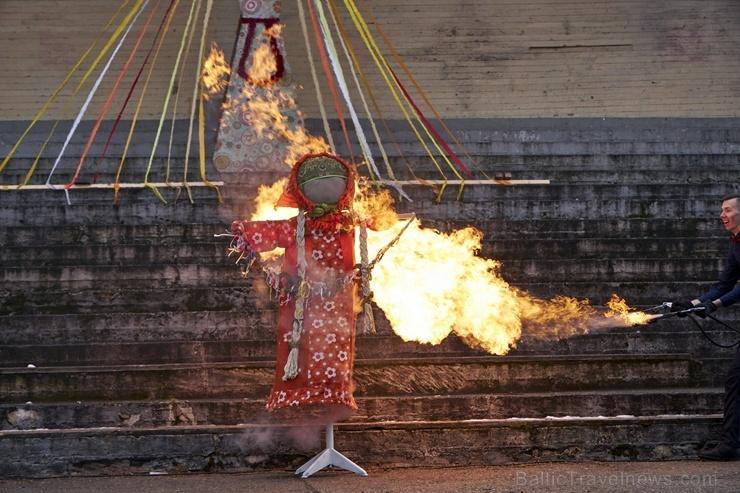 Rēzeknē svin tradicionālos slāvu tautību svētkus «Masļeņica» 279108