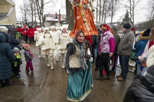 Rēzeknē svin tradicionālos slāvu tautību svētkus «Masļeņica» 11
