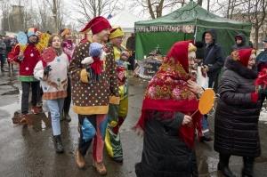 Rēzeknē svin tradicionālos slāvu tautību svētkus «Masļeņica» 13