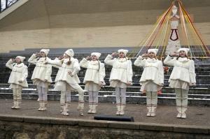 Rēzeknē svin tradicionālos slāvu tautību svētkus «Masļeņica» 19