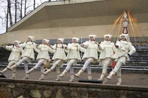 Rēzeknē svin tradicionālos slāvu tautību svētkus «Masļeņica» 20