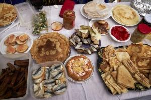 Rēzeknē svin tradicionālos slāvu tautību svētkus «Masļeņica» 23