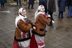 Rēzeknē svin tradicionālos slāvu tautību svētkus «Masļeņica» 33