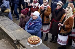 Rēzeknē svin tradicionālos slāvu tautību svētkus «Masļeņica» 43