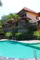 Travelnews.lv apmeklē un pusdieno Bali viesnīcā «Champlung Sari Hotel». «Turkish Airlines» un «365 Brīvdienas» 5