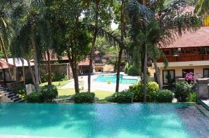 Travelnews.lv apmeklē un pusdieno Bali viesnīcā «Champlung Sari Hotel». «Turkish Airlines» un «365 Brīvdienas» 6