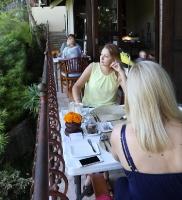 Travelnews.lv izbauda Bali džungļu viesnīcas «Ayung Resort Ubud» brokastis. «Turkish Airlines» un «365 Brīvdienas»