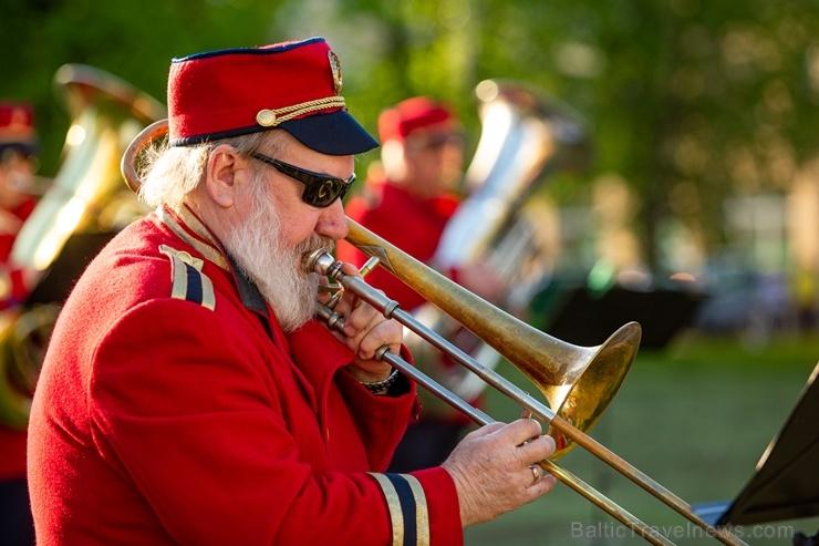 Rēzeknes pagalmos skan muzikāli pārsteigumi pilsētas iedzīvotājiem un viesiem
