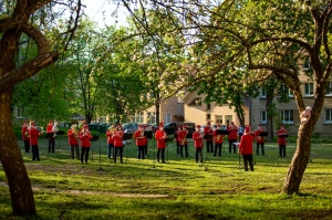 Rēzeknes pagalmos skan muzikāli pārsteigumi pilsētas iedzīvotājiem un viesiem 15