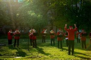 Rēzeknes pagalmos skan muzikāli pārsteigumi pilsētas iedzīvotājiem un viesiem 28