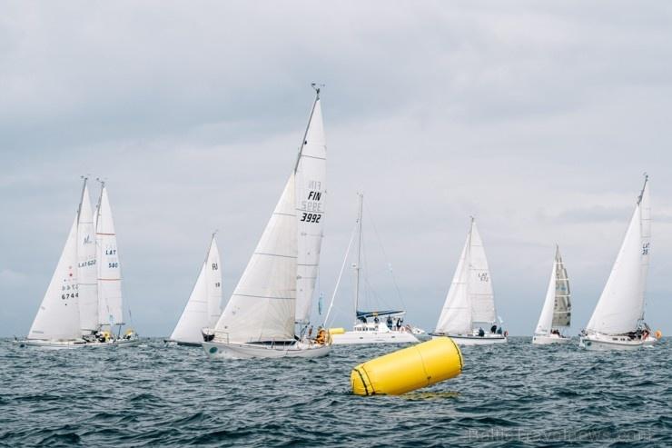 Rīgas līča regatē sacenšas 47 Baltijas jūras reģiona valstu komandas