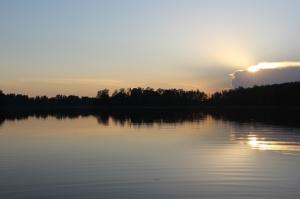 Netālu no Aglonas, Ciriša ezera krast - viesu nama