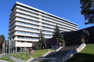 Jūrmalas viesnīca «SemaraH Hotel Lielupe» darbdienās piedāvā birojiem nomainīt darba vidi 1
