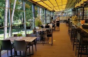Jūrmalas viesnīca «SemaraH Hotel Lielupe» darbdienās piedāvā birojiem nomainīt darba vidi 17