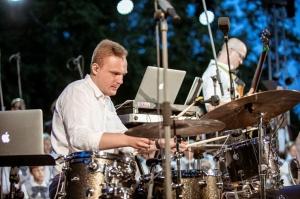 Tiguļkalnu Talsos piepilda skanīgs Raimonda Tigula brīvdabas koncerts 5